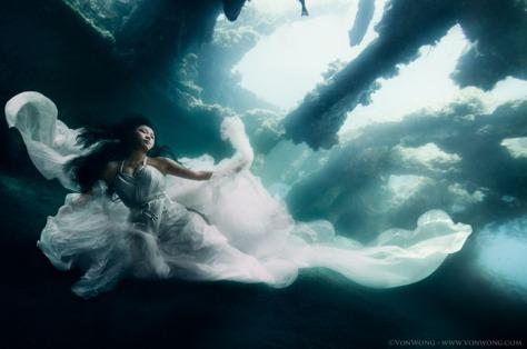 underwater-shipwreck-photoshoot-bali-2