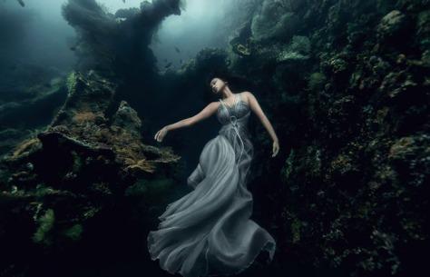 underwater-shipwreck-photoshoot-bali-5